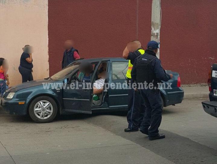 Conductor es ultimado a tiros en Zamora; su familia resultó ilesa