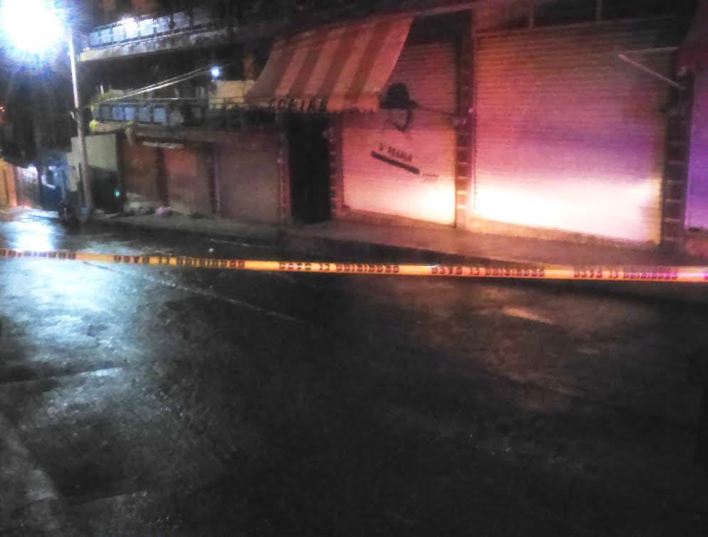 Motociclista muere tras ser baleado frente al templo de Guadalupe en Sahuayo