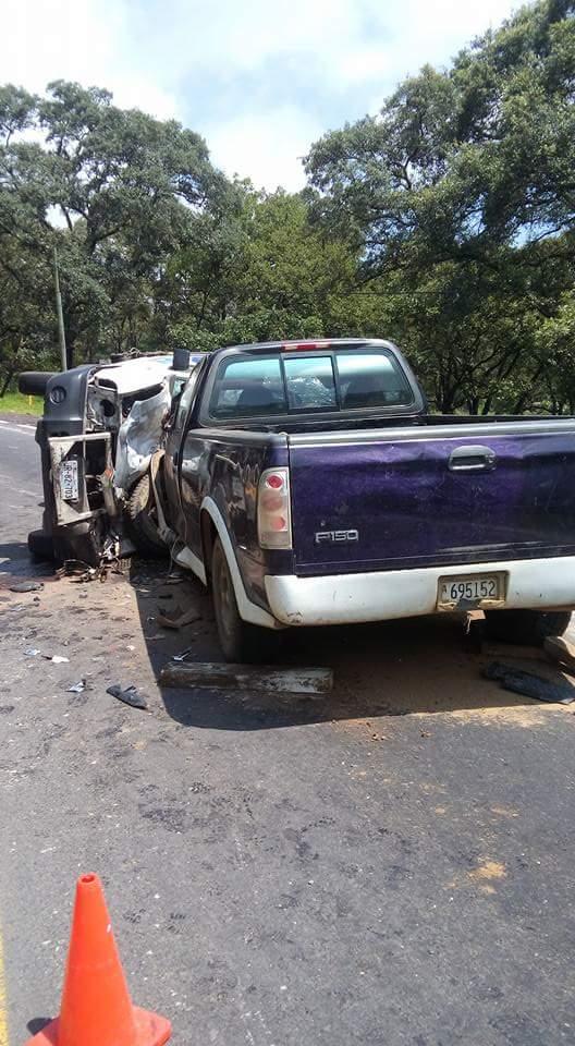 5 lesionados deja un aparatoso accidente carretero, en Zacapu