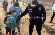 Policías de Villamar localizan sanos y salvos a dos pequeños reportados como desaparecidos y los reúnen con sus familias