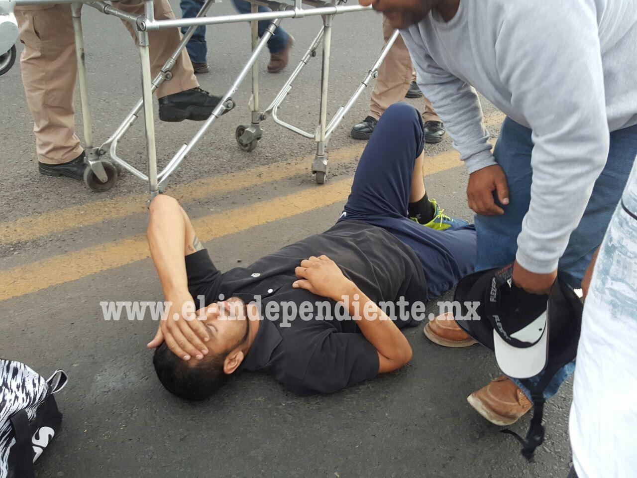 Motociclista resulta lesionado al impactarse contra un auto en la Zamora – Tangancícuar