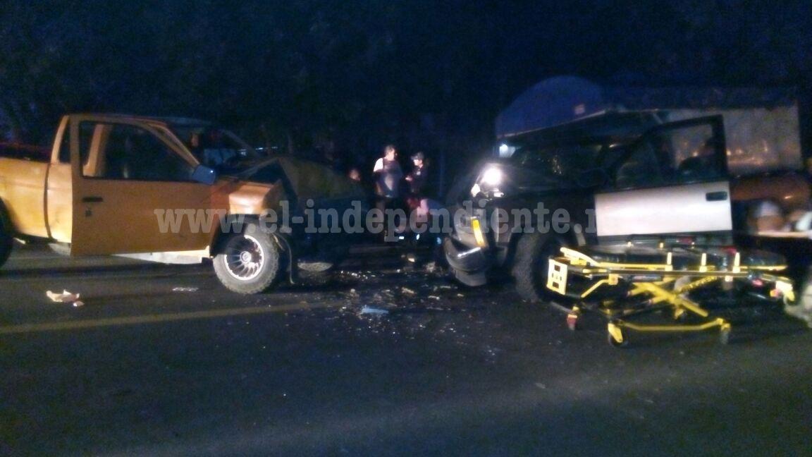 Seis personas lesionadas tras choque de dos camionetas en Tangancícuaro