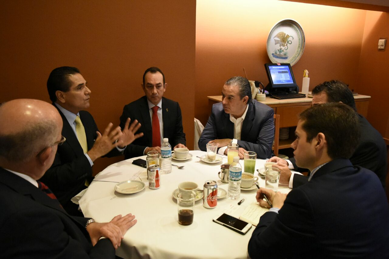 Trabaja Gobernador en definición de esquema de la ZEE para Lázaro Cárdenas