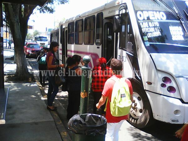 Transportistas amagan con aumentar tarifa de transporte hasta 8.50 pesos