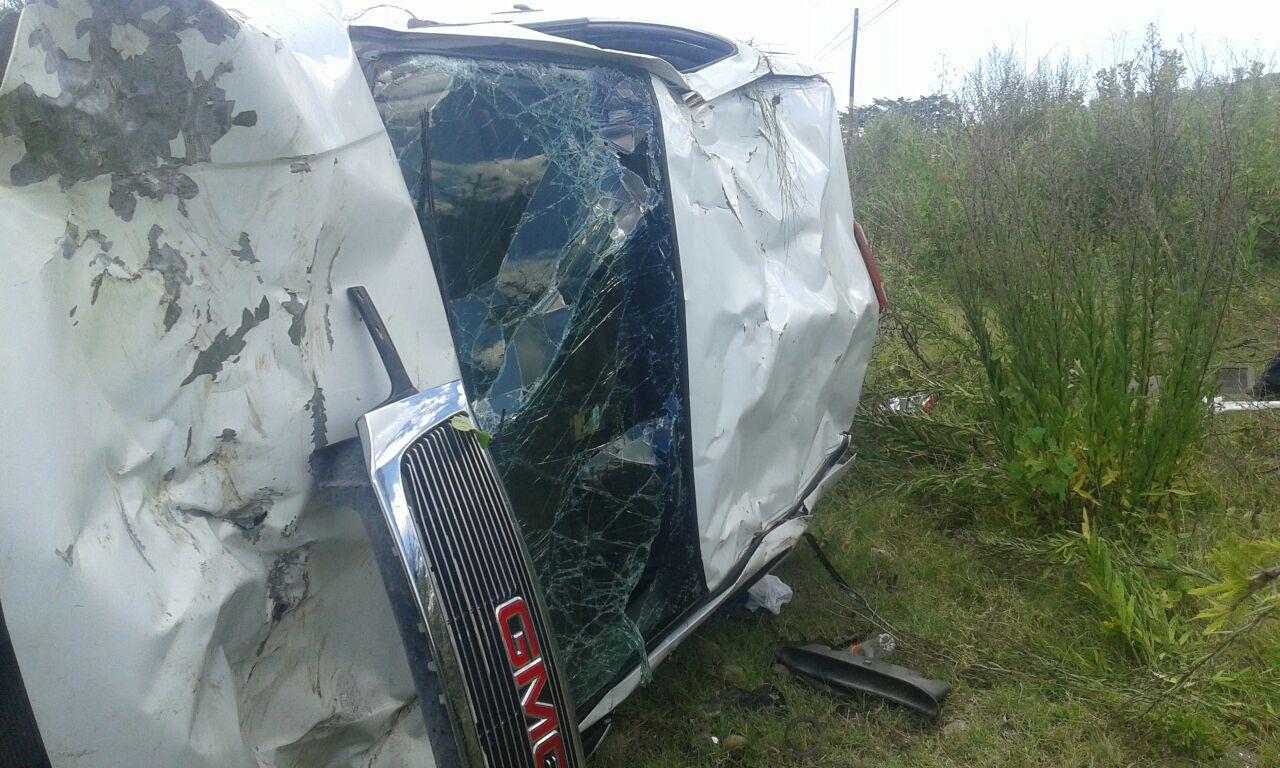 Una mujer herida tras volcar su camioneta en Sahuayo