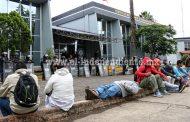 Libres 18 de los 48 normalistas detenidos por la SSP en Carapan
