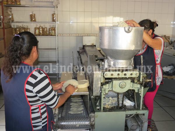 Demandan igualdad de condiciones laborales para mujeres