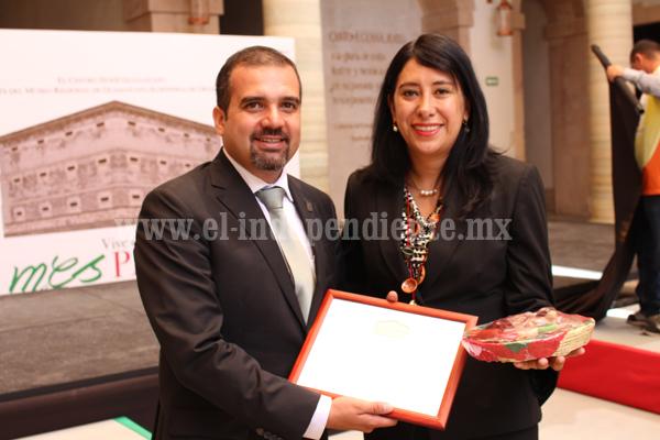 Alcalde de Ixtlán encabezó 50 aniversario del traslado del fuego simbólico