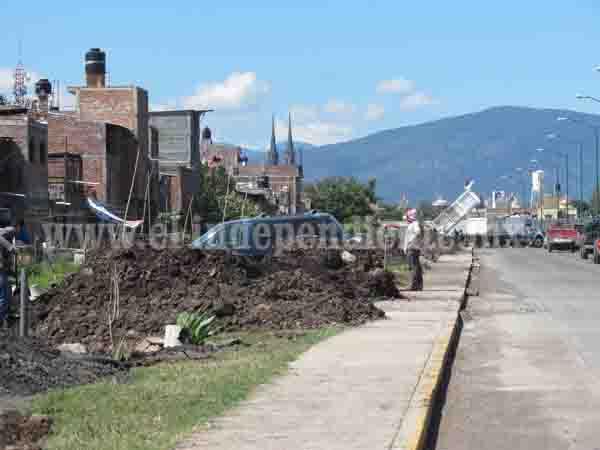 Vecinos de 20 de Noviembre se adueñan de terreno ubicado a un lado de par vial
