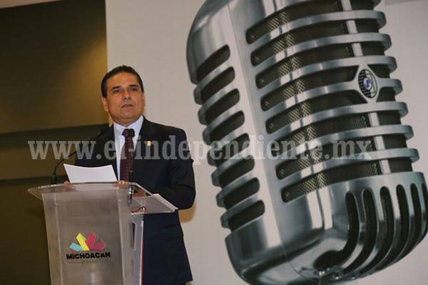 Celebra Gobernador Día del Trabajador de la Radio y la Televisión en Michoacán