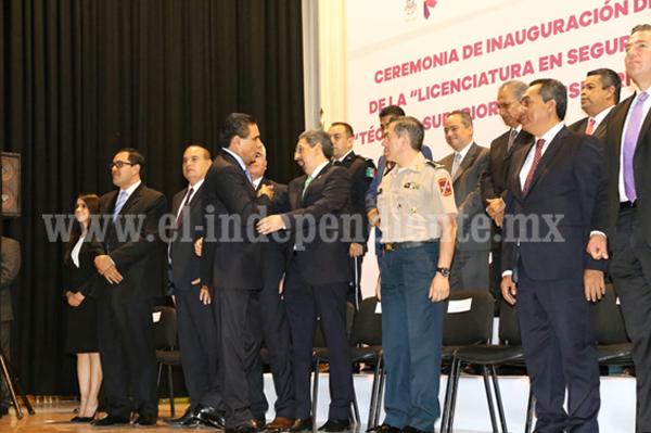 Inauguran Gobernador y UMSNH nuevas Licenciaturas en Seguridad Pública en Michoacán