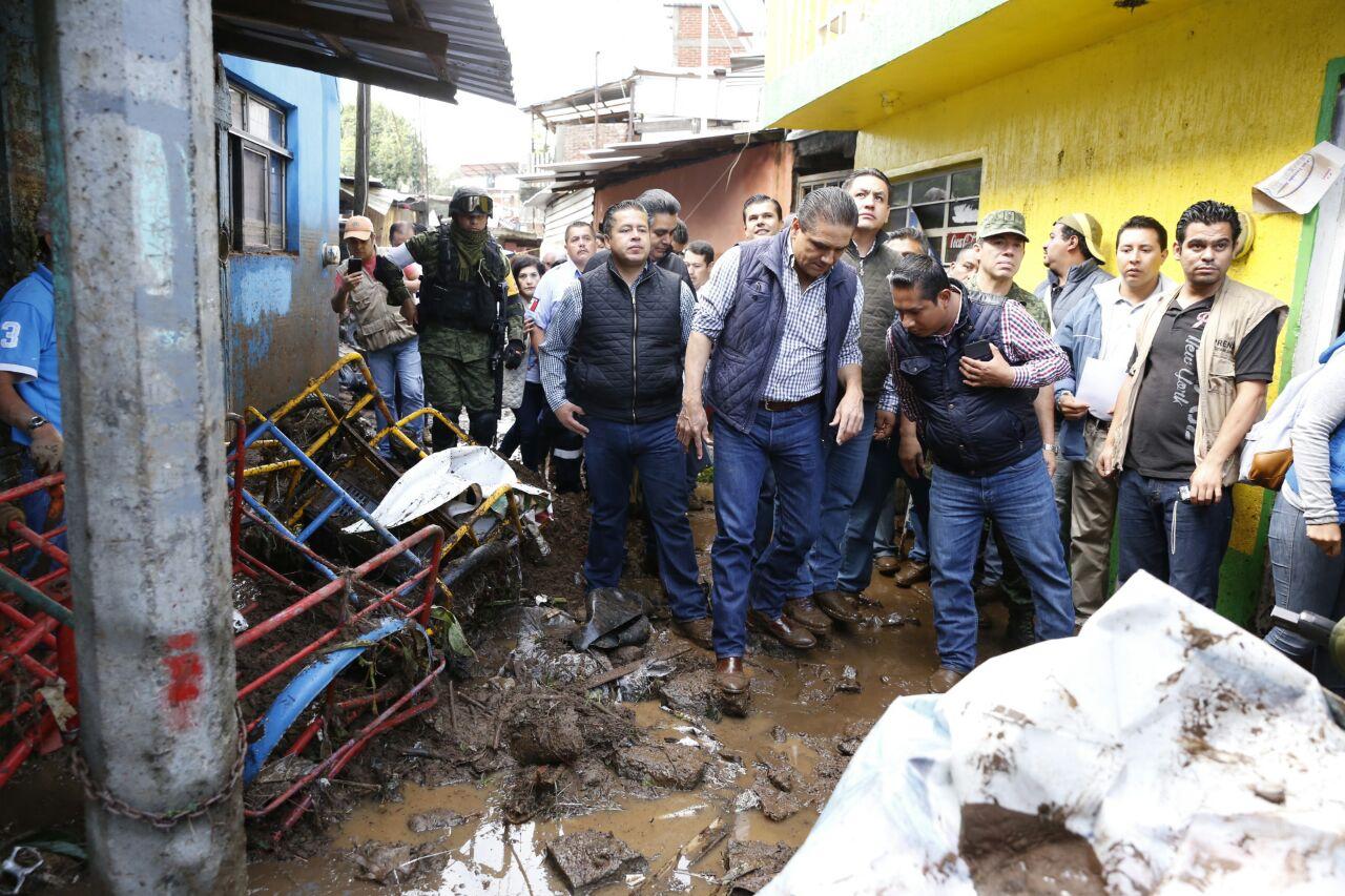 Ofrece Gobernador ayuda inmediata a familias afectadas por lluvias en Uruapan