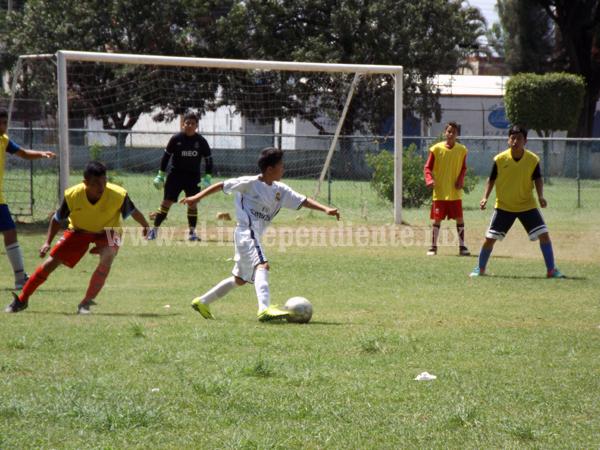 Ario derrotó por dos a uno a Chaparaco en Primera Infantil de Futbol Zamora