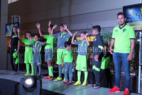 Astros Fuerza Chonguera presentó su uniforme para la próxima temporada