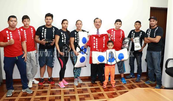 """Gobierno Municipal apoya a escuela de box """"High School Boxing"""""""