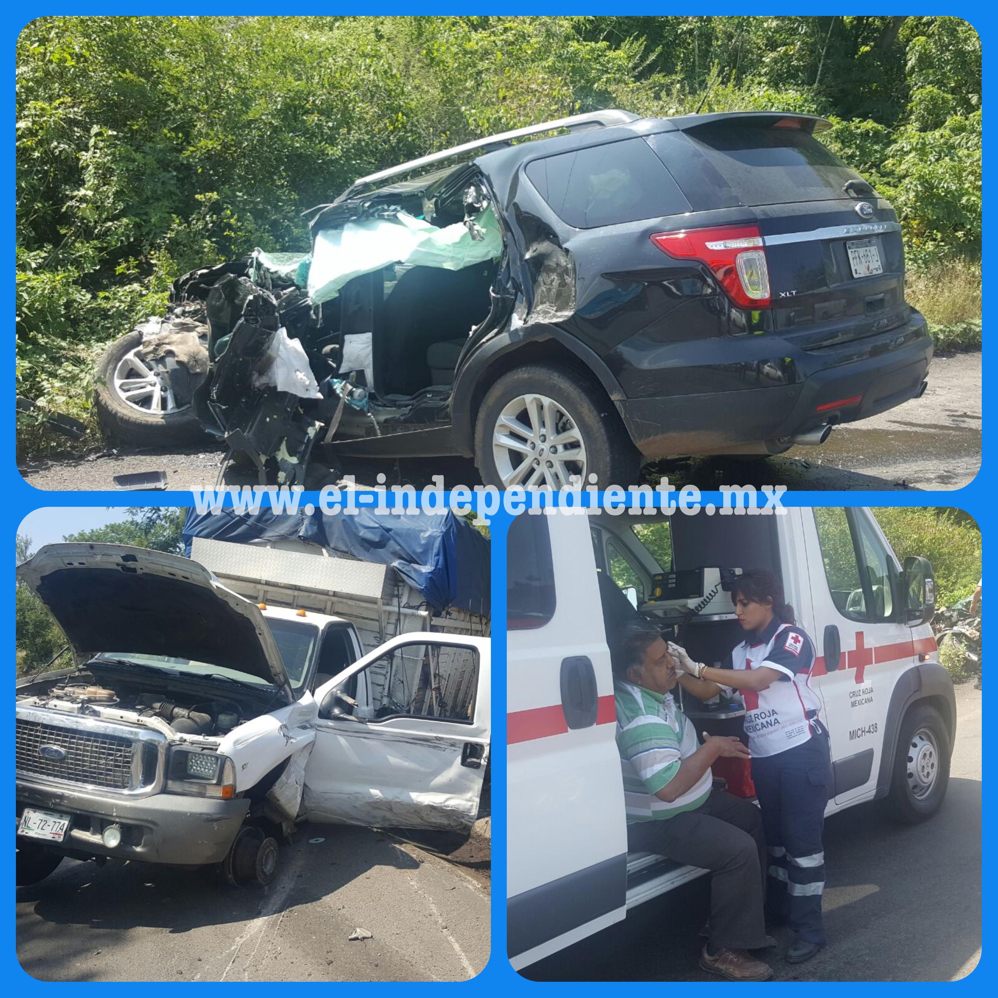 Aparatoso choque de camionetas en el Libramiento de Zamora