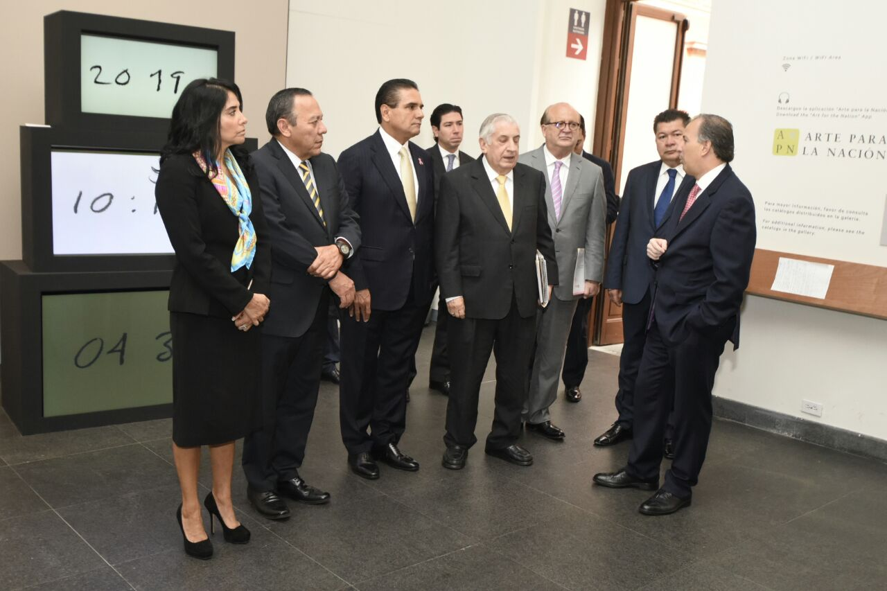 Defiende Silvano Aureoles mayor presupuesto para estados y municipios