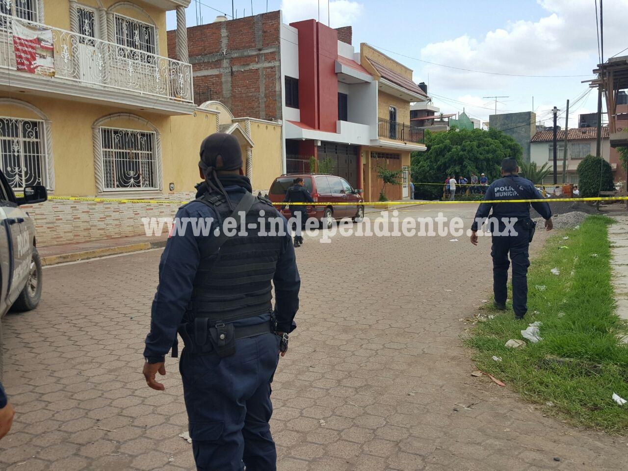 Se enfrentan civiles a tiros en la colonia Camelinas de Zamora