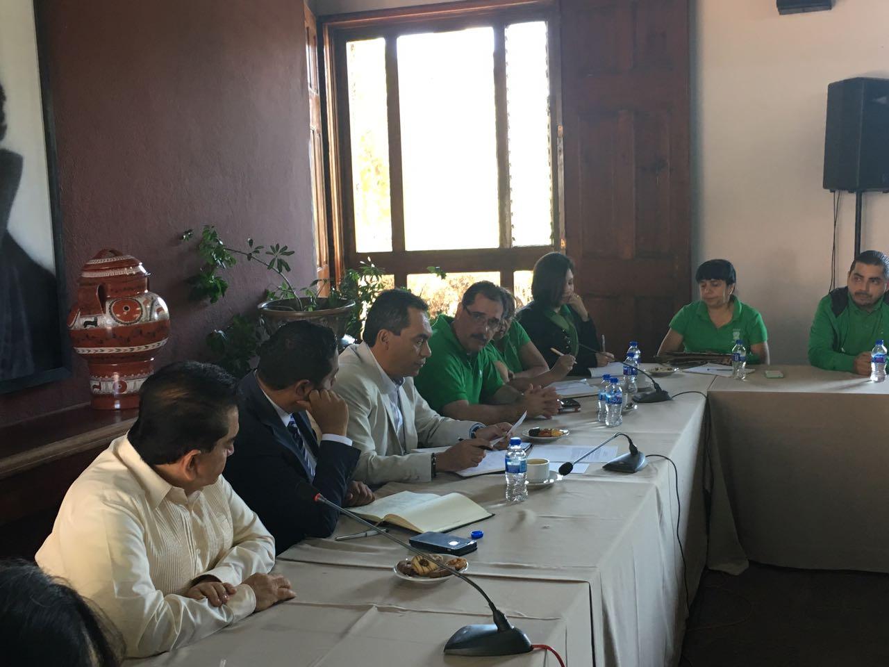 Se reúne Adrián López Solís con la dirigencia del STASPE