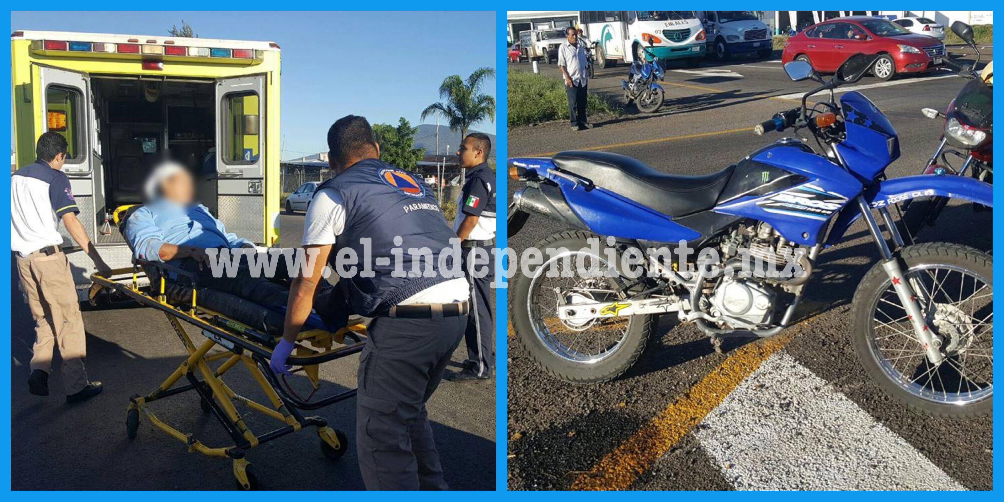 Motociclista herido al derrapar su moto en el Libramiento de Zamora