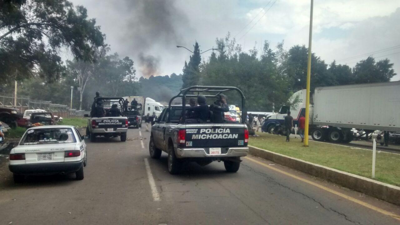 Liberan accesos a Uruapan