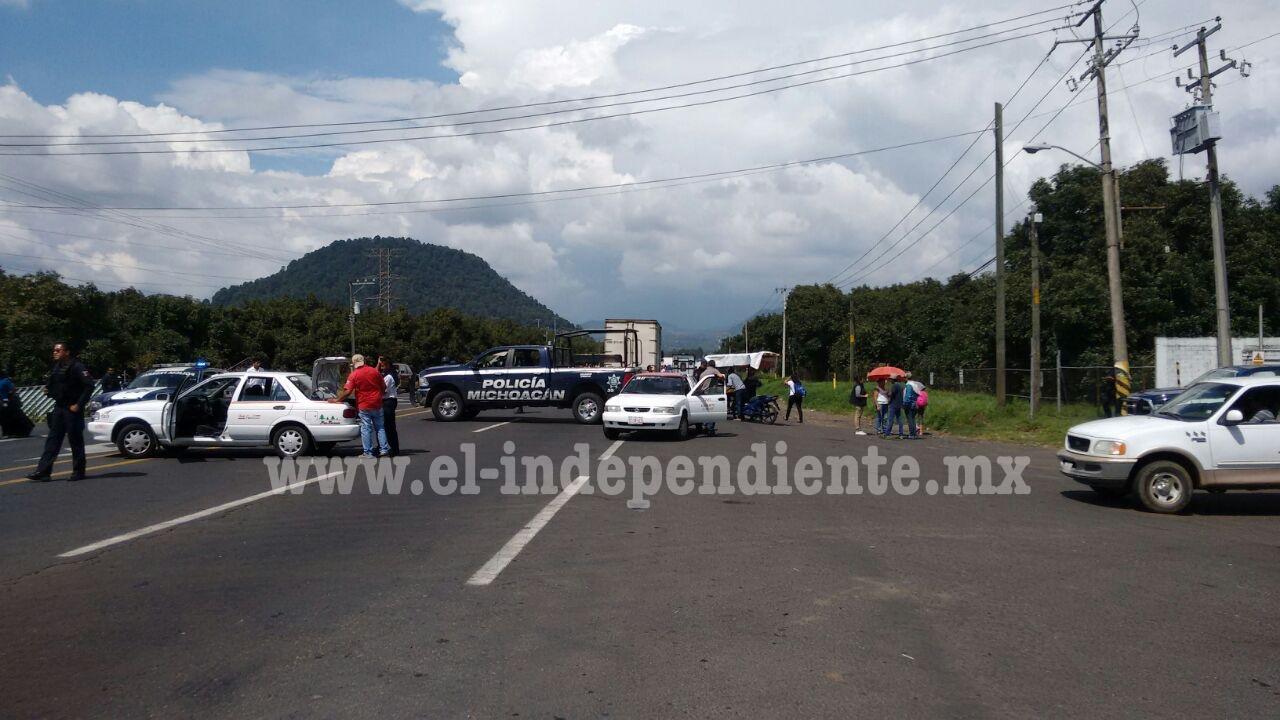 Ex rurales vuelven a tomar carretera a Paracho
