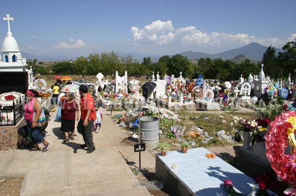 Proponen independizar administración del panteón municipal de Jacona