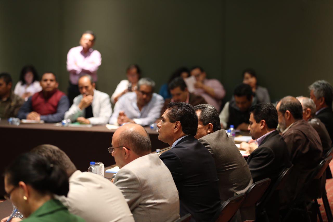 Refrenda Silvano Aureoles voluntad de diálogo con la CNTE