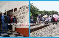 Comuneros y normalistas toman la alcaldía de Los Reyes