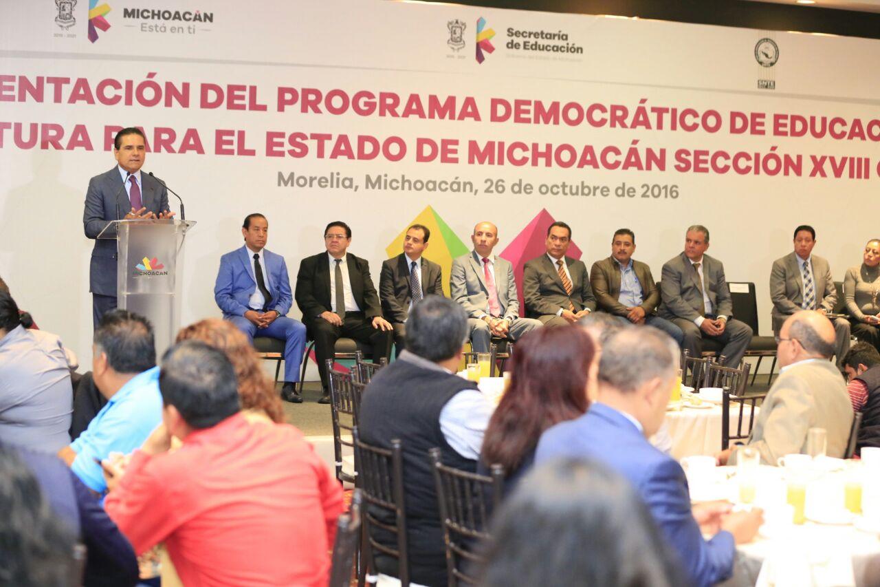En En diálogo abierto y respetuoso, Gobernador recibe propuesta de la CNTE