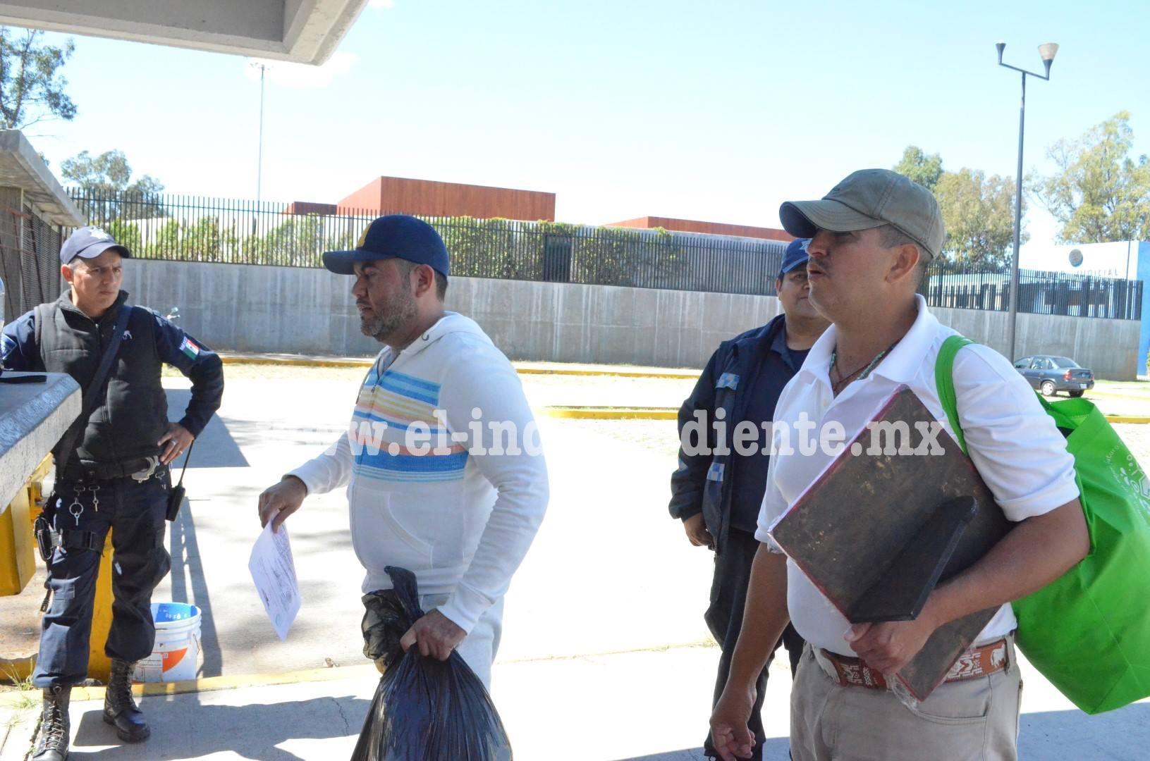 """7 ex autodefensas salen del penal de """"Mil Cumbres"""" y del Cereso """"Morelia"""""""