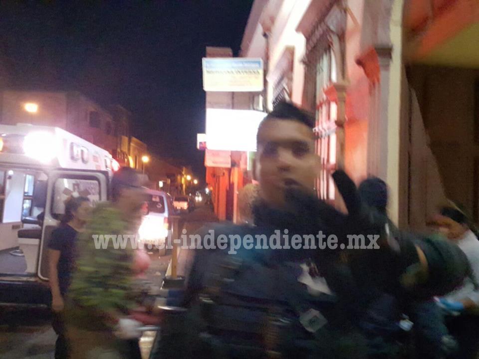 Policía Michoacán detiene arbitrariamente a reportero en Jacona