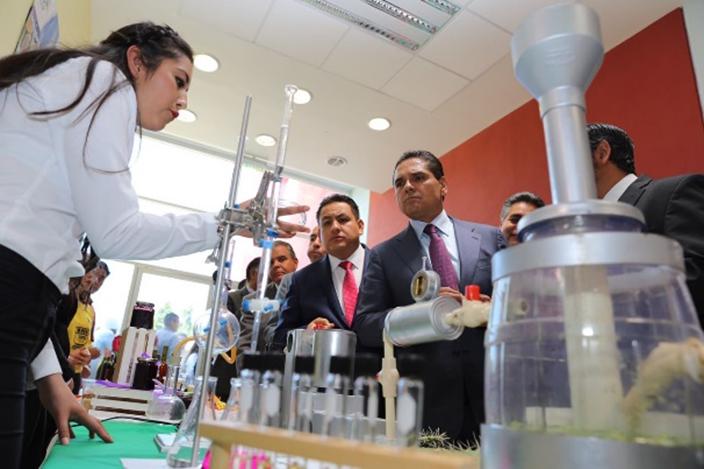 Agroindustria, futuro laboral y de desarrollo de Michoacán: Silvano Aureoles