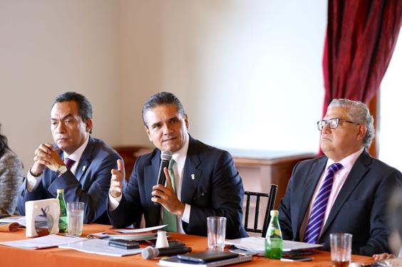 Presenta Gobernador proyectos estratégicos a diputados federales de Michoacán