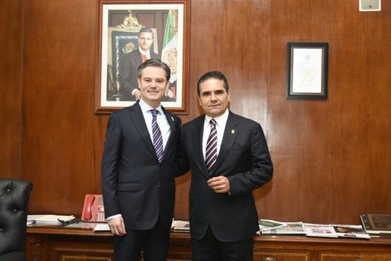 Continúa Silvano Aureoles gestiones para la calidad educativa en Michoacán