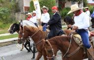 Encabeza Gobernador XXII Cabalgata Morelos en Indaparapeo