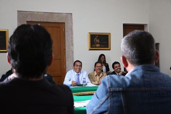 Revisa Adrián López avances de obras y acciones de comunidades indígenas