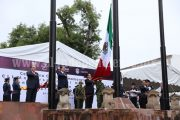 Encabeza Gobernador izamiento de Bandera Nacional en Morelia