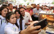 Inaugura Silvano Aureoles cuarta Feria de las Carnitas de Tacámbaro