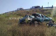 Nueve lesionados al volcar camioneta en La Piedad