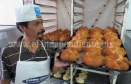 Estiman disminución del 40 por ciento en producción del pan de muerto