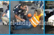 """Taxista embiste a dos trabajadores que estaban """"bacheando"""" en Zamora"""