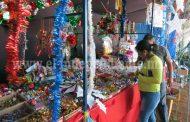 Productos chinos dan amarga navidad a tianguis navideño