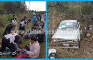 13 jornaleros lesionados al volcar camioneta en Ario de Rayón