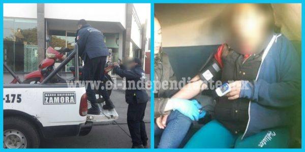 Embiste a una motociclista en la Avenida Juárez y se da a la fuga