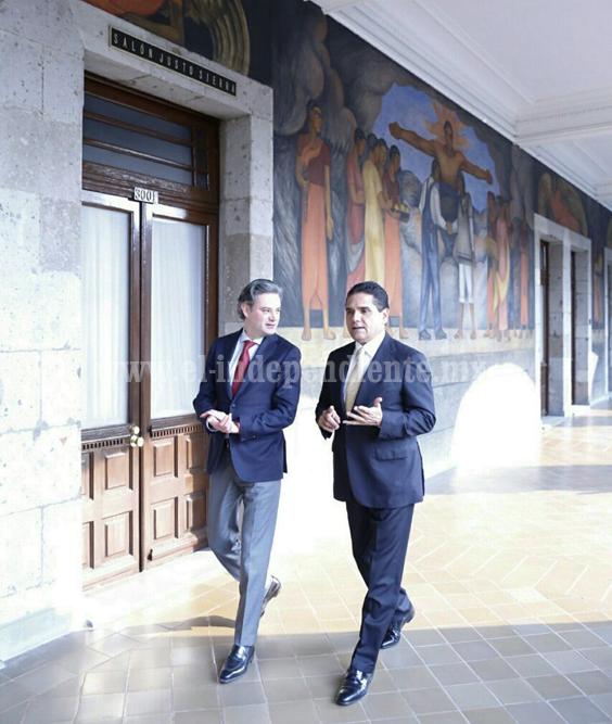 Revisan Gobernador y SEP avances educativos en Michoacán
