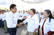 Cumple Gobernador con apoyos sociales comprometidos en Felipe Carrillo Puerto, municipio de Buenavista