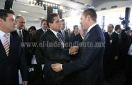 Acude Silvano Aureoles a informe de gobernador de Puebla Puebla, Puebla