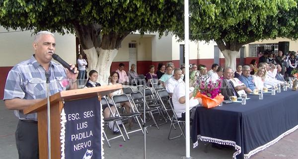 """Cumplió 65 años escuela secundaria para trabajadores """"Luis Padilla Nervo"""""""