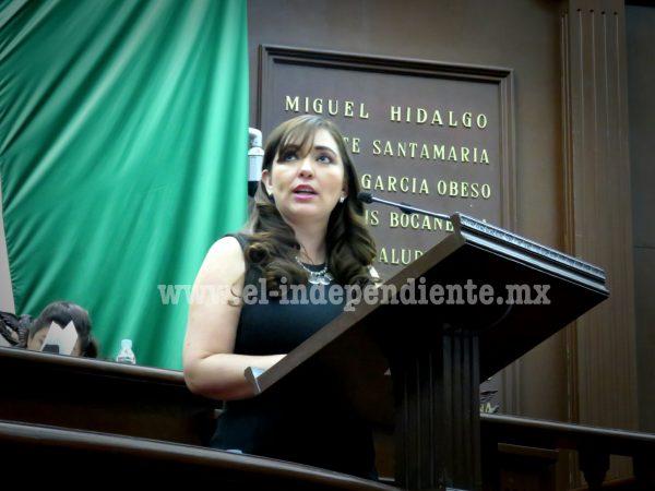 Noemí Ramírez busca poner supervisión a funciones de servidores públicos con Ley del Notariado